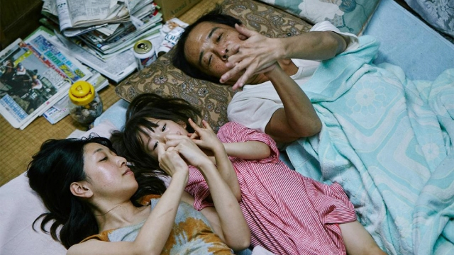 shoplifters-review2.jpg